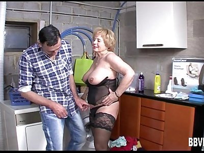 Mature german whore gets titty fucked